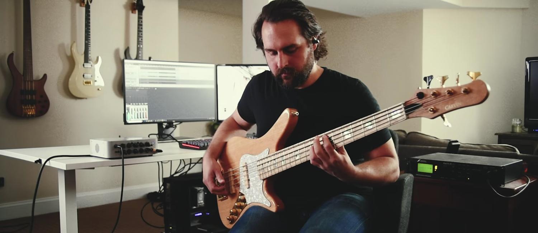 Synergy | Bass Playthru
